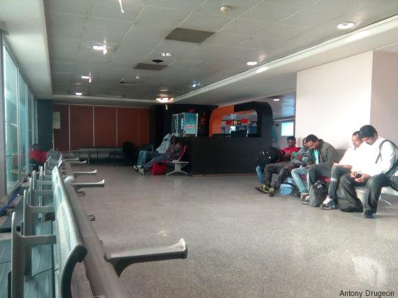 étrangers rétention aéroport casablanca maroc