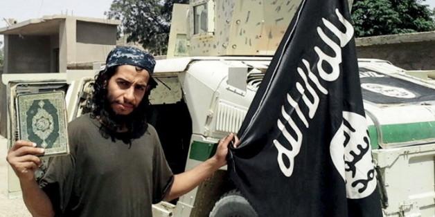 """Abdelhamid Abaaoud auf einem Bild des IS-Propagandamagazins """"Dabiq""""."""