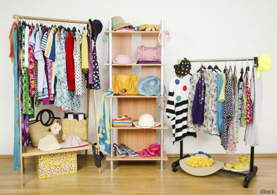 Tu armario es un desastre 10 trucos para encontrarlo - Ordenar armarios ropa ...