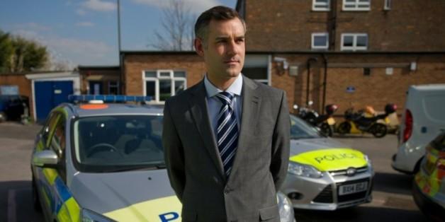 L'inspecteur Dan O'Sullivan devant le commissariat du quartier de Wimbledon à Londres, le 22 mars 2016