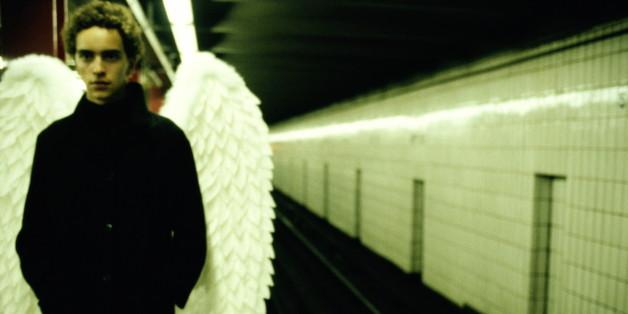 Schutzengel und Engel begleiten Menschen, so der Glaube vieler