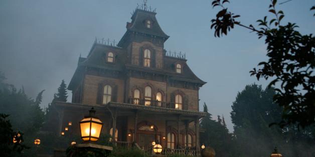 Das Phantom Manor im Disneyland Paris, wo am 3. April ein Mitarbeiter tot aufgefunden wurde.