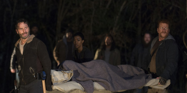 """The Walking Dead"": Mutter aller Cliffhanger bei Staffel sechs"