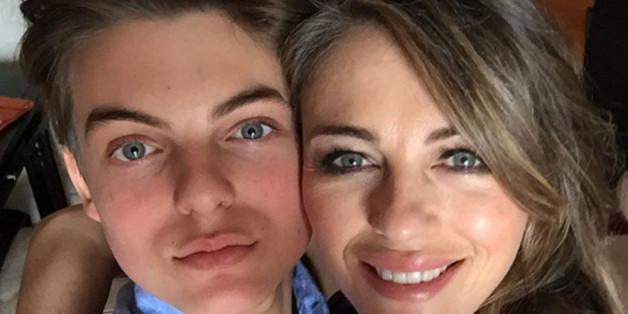 Liz Hurley gratuliert ihrem Sohn Damian mit diesem Selfie zum 14. Geburtstag