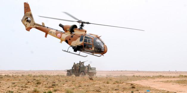 Exercice militaire à proximité de la frontière libyenne, vers Ben Guerdane.