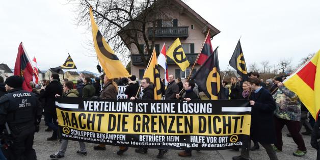 Symbolbild: Demonstration einer rechtsextremen Gruppe in Bayern
