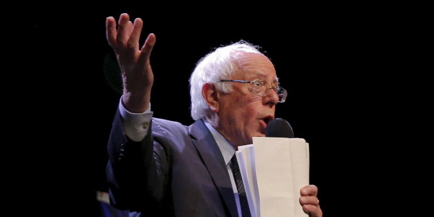 """U.S. Democratic presidential candidate and U.S. Senator Bernie Sanders speaks at a campaign """"Community Conversation"""" at the Apollo Theater in Harlem, New York April 9, 2016.  REUTERS/Brian Snyder"""