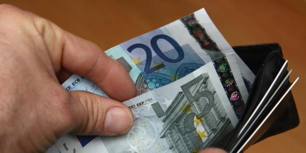 So viel Geld hat jeder Deutsche durch die niedrigen Zinsen verloren