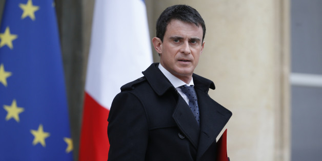 French Prime Minister Manuel Valls leaves after he attended a defence council at the Elysee Palace in Paris, France, March 19, 2016 following Friday's arrest of Salah Abdeslam, the most-wanted fugitive from November's Paris attacks.     REUTERS/Charles Platiau