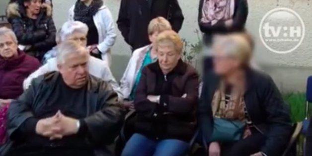 Asyl-Unterkunft für 16 Kinder und Jugendliche: Video zeigt, wie Anwohner ausrasten