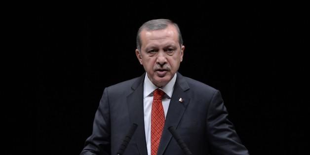 Satiriker Böhmermann soll den türkischen Staatschef Erdogan beleidigt haben.