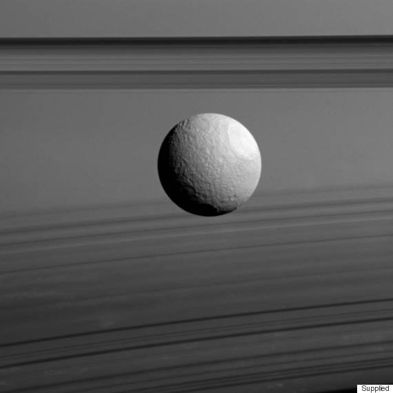 saturn rings moon