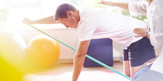 Krankengymanstik hilft, untrainierte Strukturen zu stärken.