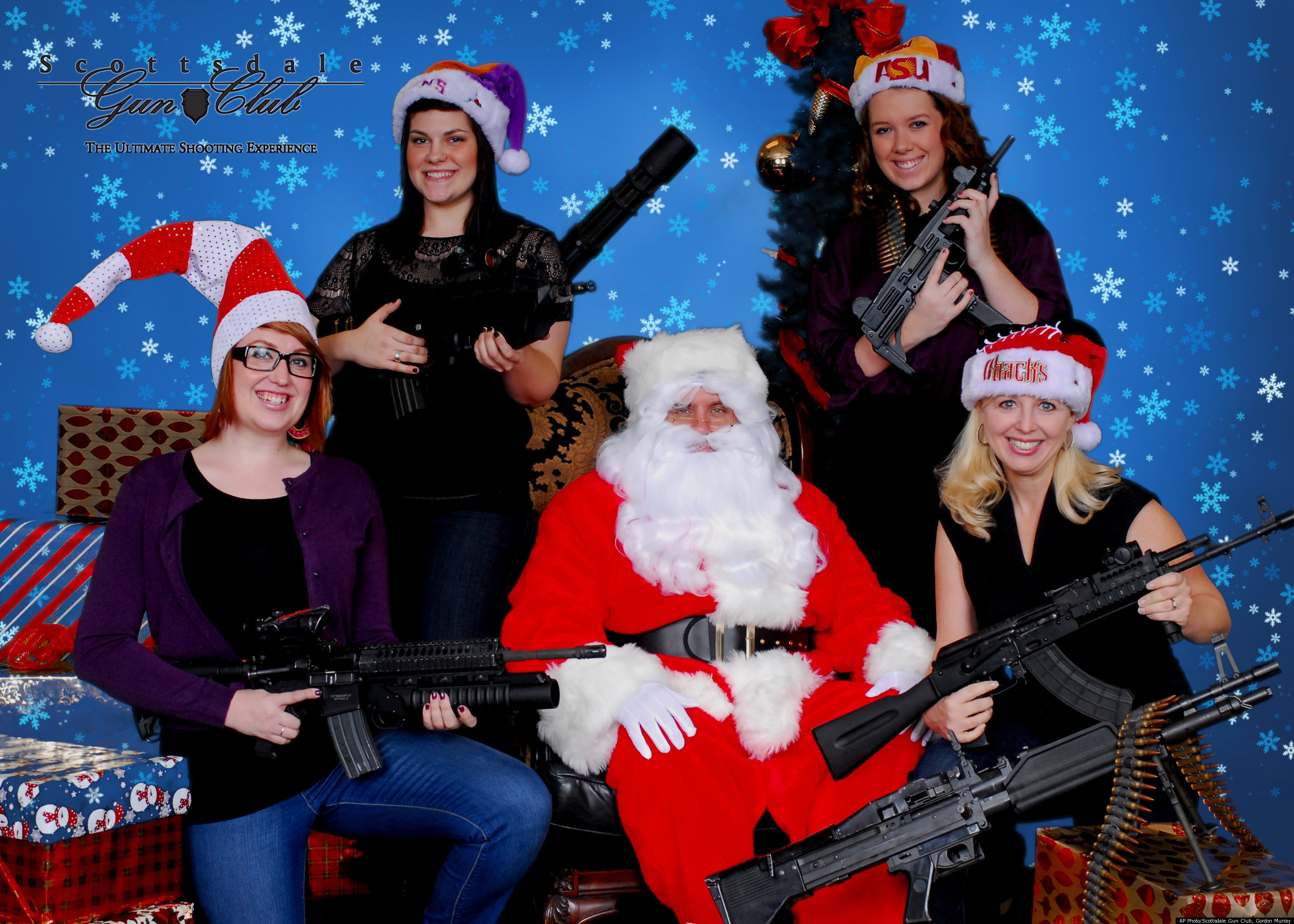 Captivating Machine Guns And Santa Claus: Arizona Gun Club Offers Alternative Christmas  Photoshoot (Pictures)