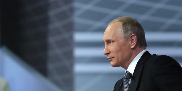 Der russische Präsident Wladimir Putin stellt sich im Staatsfernsehen den Fragen seiner Bürger