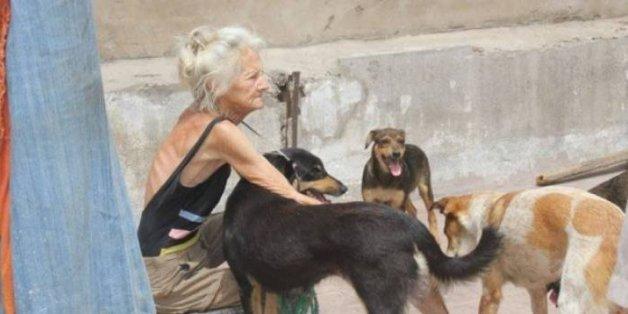 """Mission accomplie pour la collecte pour l'enterrement de """"la dame aux chiens"""""""