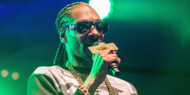 Rapper Snoop Dogg ist nicht gut auf Arnold Schwarzenegger zu sprechen.