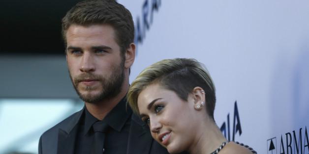 Liam Hemsworth und Miley Cyrus: Im Jahr 2013 waren sie noch ein Paar. Jetzt ist der Beziehungsstatus der beiden Stars unbekannt.