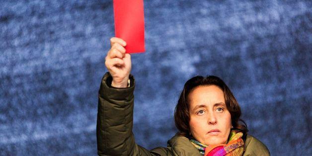 AfD-Politikerin Beatrix von Storch will dem Islam die Rote Karte zeigen