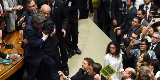 Empoignade au parlement brésilien
