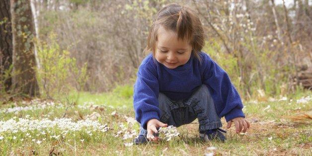 10 Dinge, die mit deinen Kinder passieren, wenn sie draußen spielen