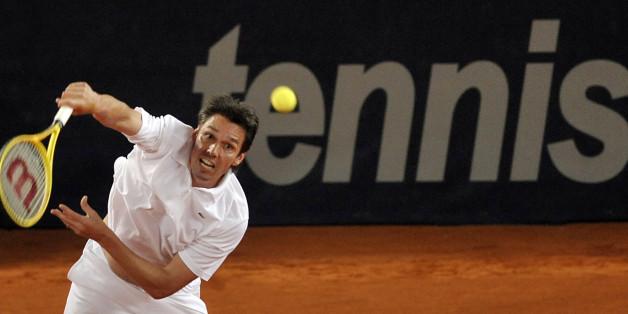 """Tennis: Michael Stich schlägt im """"Duell der Legenden"""" gegen Michael Chang am WTA-Tunier in Stuttgart auf"""