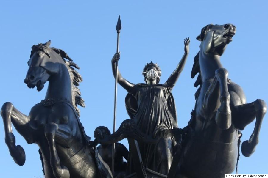 statue london greenpeace april 2016