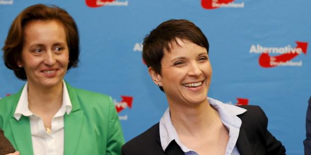 Frauke Petry (r.) und Beatrix von Storch (l.)