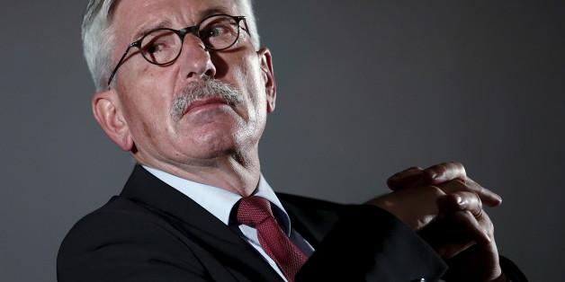 Thilo Sarrazin greift in seinem neuen Buch Merkels Flüchtlingspolitik an
