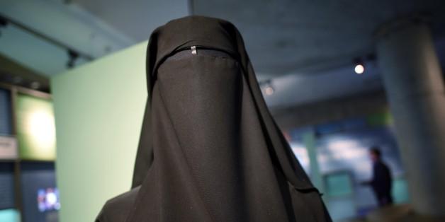 """""""Ihr Arschlöcher"""": So erlebt Deutschlands bekannteste Burka-Frau ihren Alltag"""