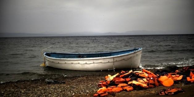 Des migrants secourus en Méditerranée et débarqués à Kalamata (Grèce) ont raconté avoir assisté à un naufrage ayant fait jusqu'à 500 morts  © AFP/Archives ARIS MESSINIS