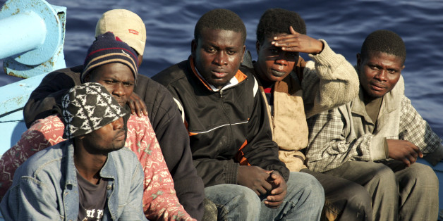 Flüchtlinge im Juni 2005 vor der italienischen Küste (Archivbild)