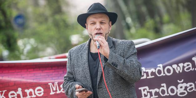 Piraten-Politiker zitiert Erdogan-Schmähgedicht - und wird verhaftet