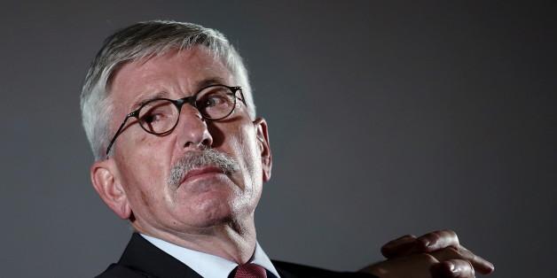 """Sarrazin nennt EU-Asylpolitik """"Verbrechen an der deutschen Zukunft"""""""