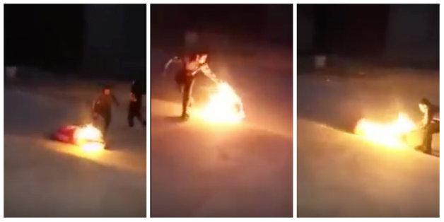 De quoi l'immolation par le feu est-elle le symptôme?