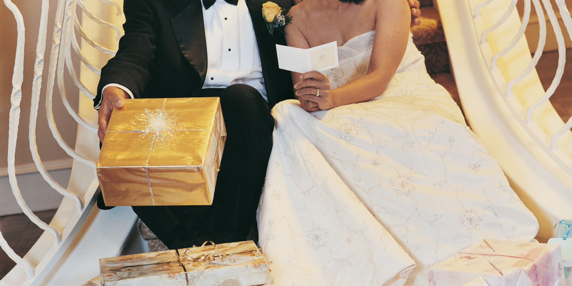 Here's What The Average Guest Spends On A Wedding Gift   HuffPost