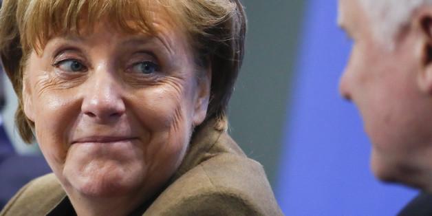 Angela Merkel und Horst Seehofer bei einer Pressekonferenz im Kanzleramt im April 2016