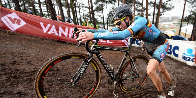 Une cycliste belge suspendue 6 ans pour avoir caché un moteur dans son vélo