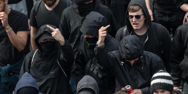 """""""Kontraproduktiv und dämlich"""": Wie die Anti-AfD-Demonstranten den Rechten helfen"""