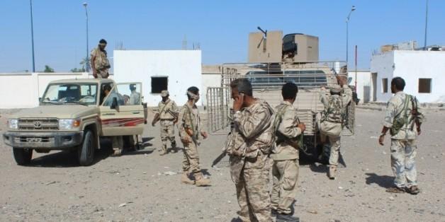 Les forces loyalistes à Lahj, dans le sud du Yémen, pendant une offensive visant à chasser les combattants d'Al-Qaïda, le 24 avril 2016
