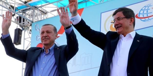 Machtkampf in der Türkei: Erdogan drängt größten Partei-Konkurrenten ab, Premier Davutoğlu