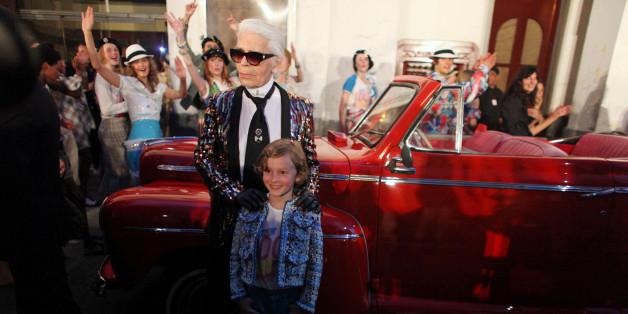 Chanel-Designer Karl Lagerfeld präsentiert seine Mode in Kuba