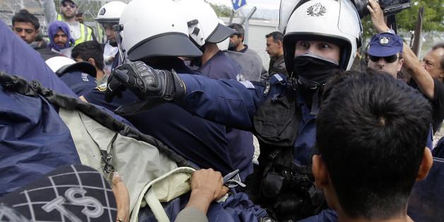 Die Polizei räumte heute Teile des wilden Camps in Idomeni