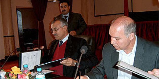 De droite à gauche, Bouziane Outiti et l'ancien wali de la région de Marrakech Bouchaïb El Moutaouakil