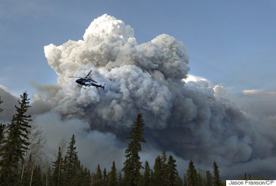 helicopter fort mcmurray fire