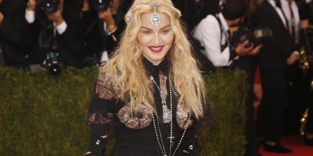 Madonna präsentierte sich mit diesem Outfit auf der Met-Gala