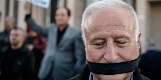 Schüsse auf Journalisten Dündar bei Prozess in Istanbul