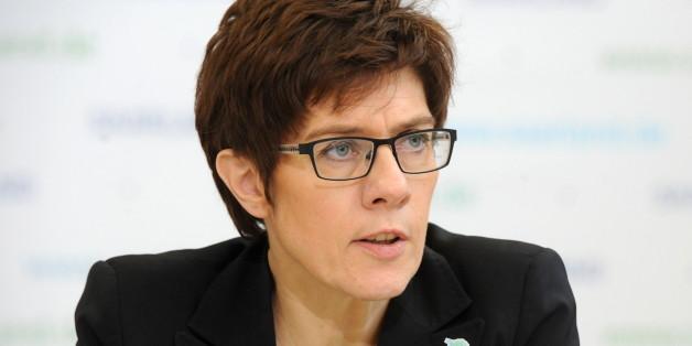 (GERMANY OUT) Ministerpräsidentin Annegret Kramp-Karrenbauer äußert sich während der Landespressekonferenz zum Maßnahmenpaket zur Eindämmung der Prostitution.  (Photo by Becker & Bredel/ullstein bild via Getty Images)