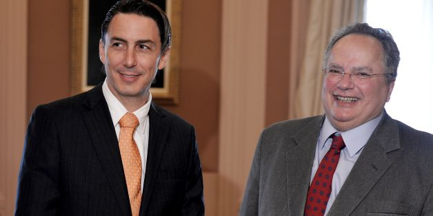 Ο κ. Χόχσταϊν με τον υπουργό Εξωτερικών, Ν. Κοτζιά (φωτογραφία αρχείου)
