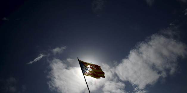 """An """"estelada"""" (Catalan separatist flag) hangs from a pole in Cabrera de Mar, north of Barcelona, Spain, February 14, 2016. The question of Catalonia and its surging separatist movement has become pivotal as Spain's political leaders try to thrash out a pact on a government after the most fragmented national election in decades. Picture taken February 14, 2016. To match Insight SPAIN-CATALONIA/  REUTERS/Albert Gea"""